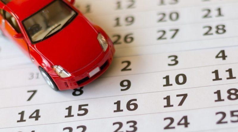 carro e calendário